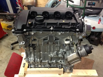 N14 MINI Cooper S engine with oil filter housing