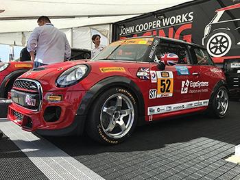 NM Engineering RSe52 wheels on JCW MINI Race Car
