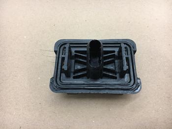 Top of F56 MINI Cooper Lift Pad Block